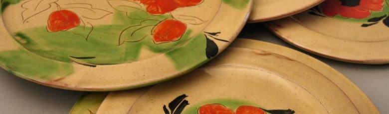 Dinner plates poppy