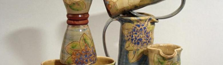 Pitchers and tumblers - blue decoration