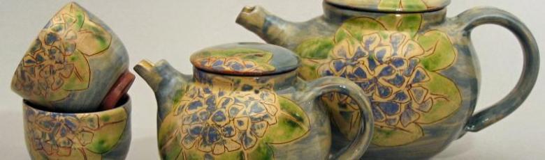 Teapots and tea cups - Hydrangea